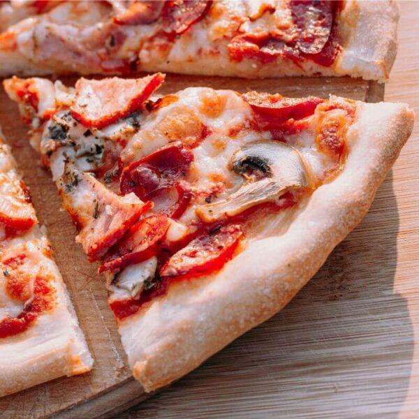 Пицца боварские колбаски